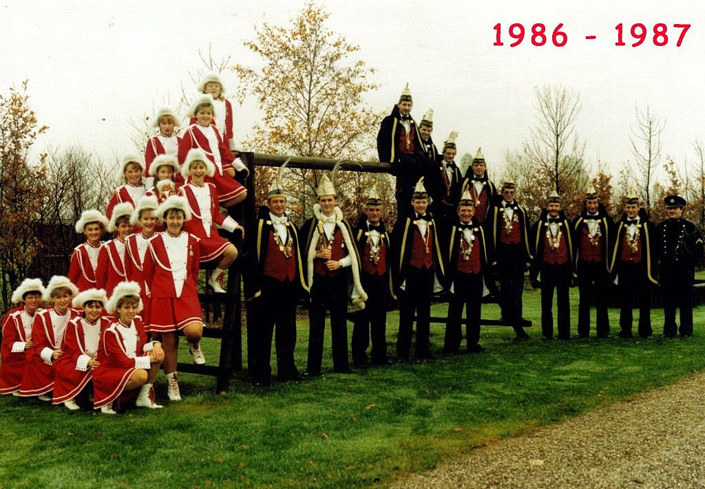 1986-1987 [1024x768]