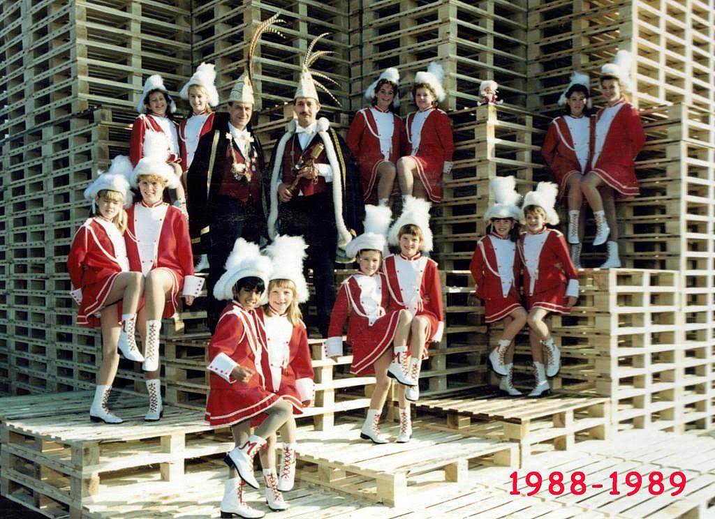 1988-1989-1 [1024x768]